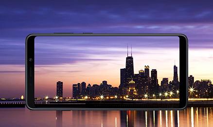 un ecran panoramique grand samsung full hd plus super amoled