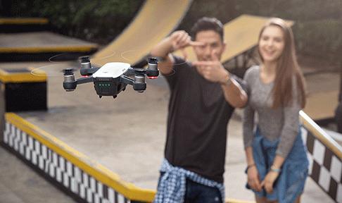 Zig Zag Drone DJI Spark blanc vue 1